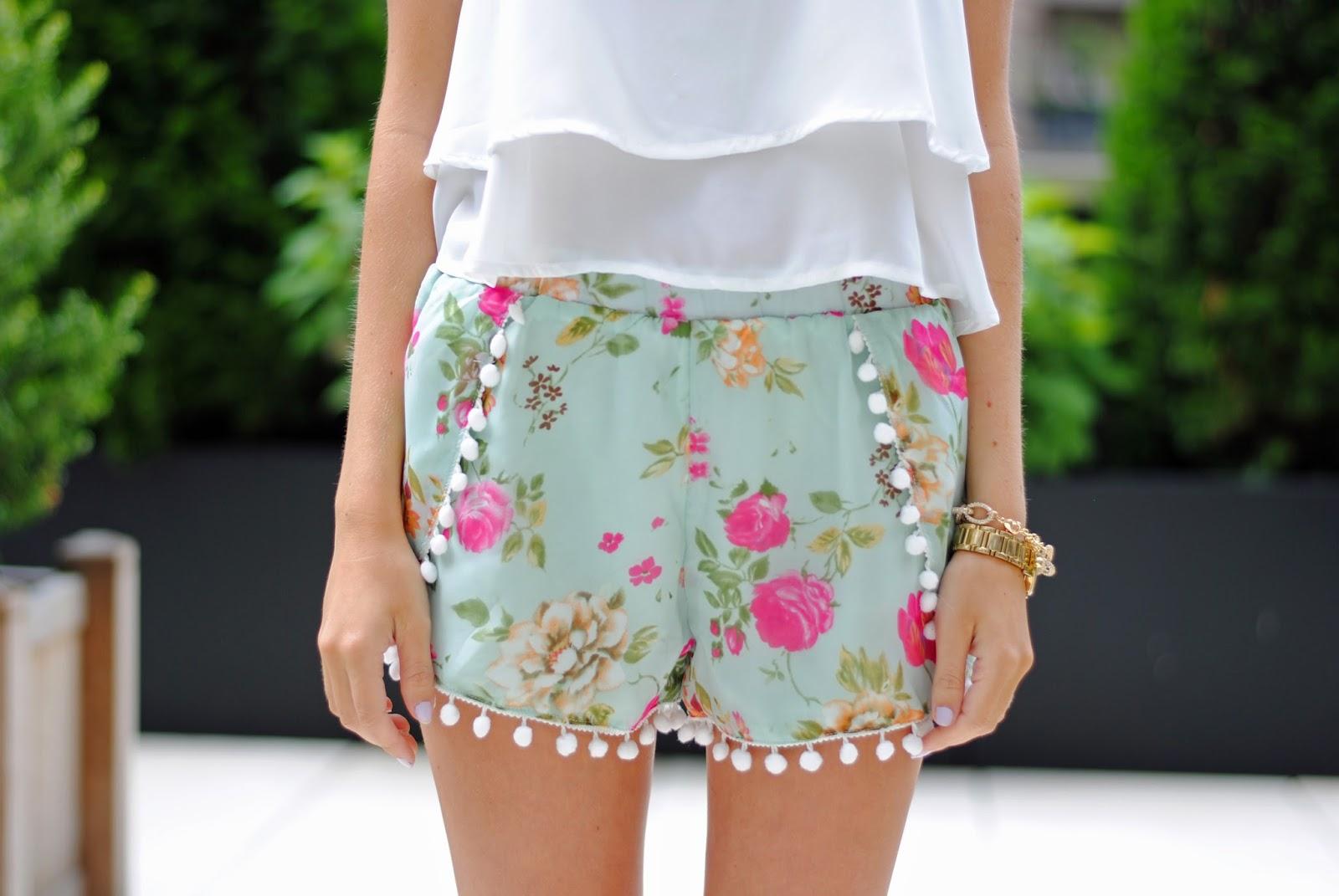 pom pom shorts <3