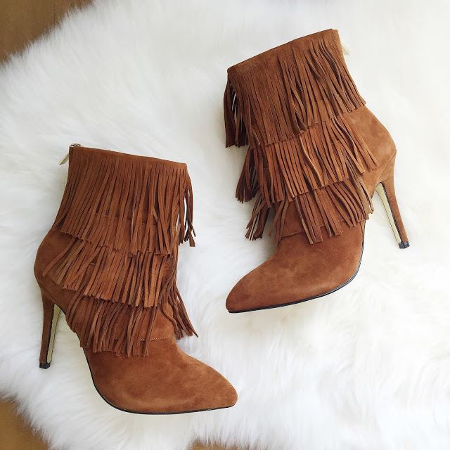 Fringe booties... I need these in the fall