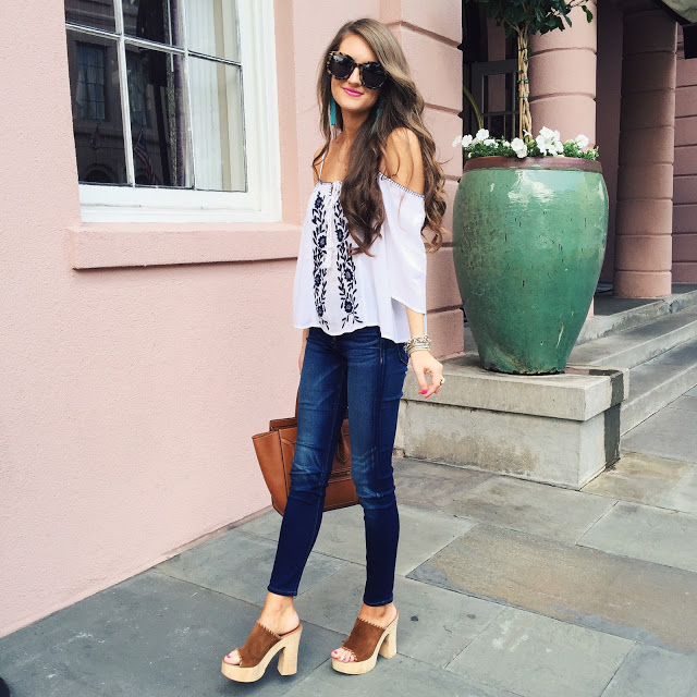 love this outfit and the platform sandals!