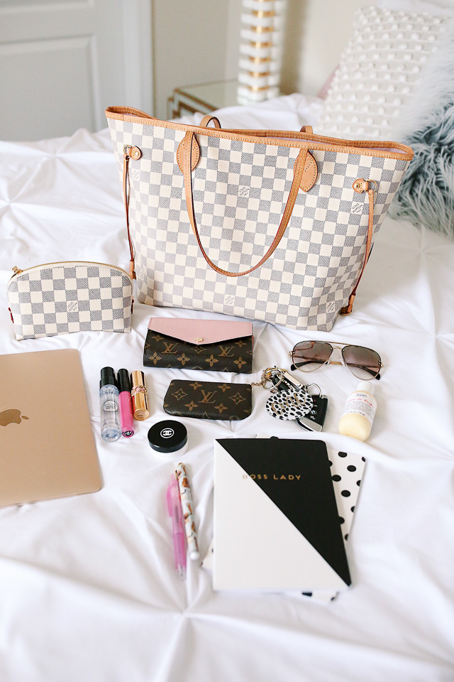 Louis Vuitton Neverfull Review What S In My Bag