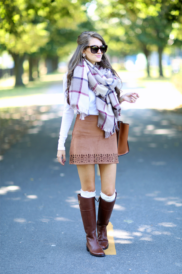 Equestrian look - suede skirt with riding boots and a huge blanket scarf